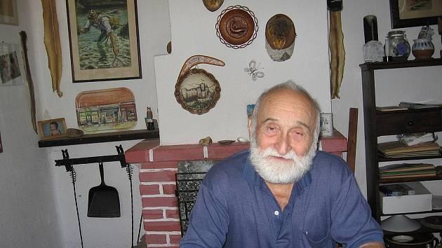Hugo Pavel.