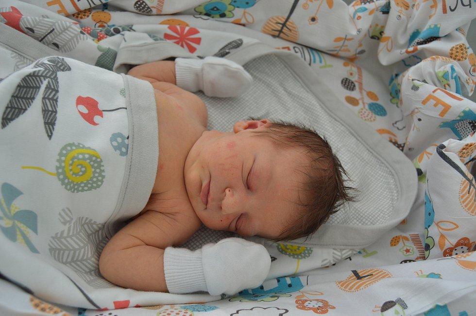 ANETA ŠTOČKOVÁ, PRAHA. Narodila se 29. června 2019. Po porodu vážila 3,5 kg a měřila 50 cm. Rodiče jsou Šárka a Ondřej. Bratr Eduard.