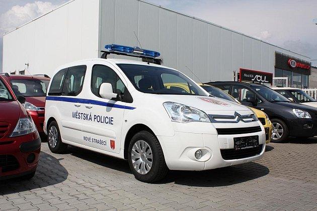 Nový policejní vůz v Novém Strašecí.