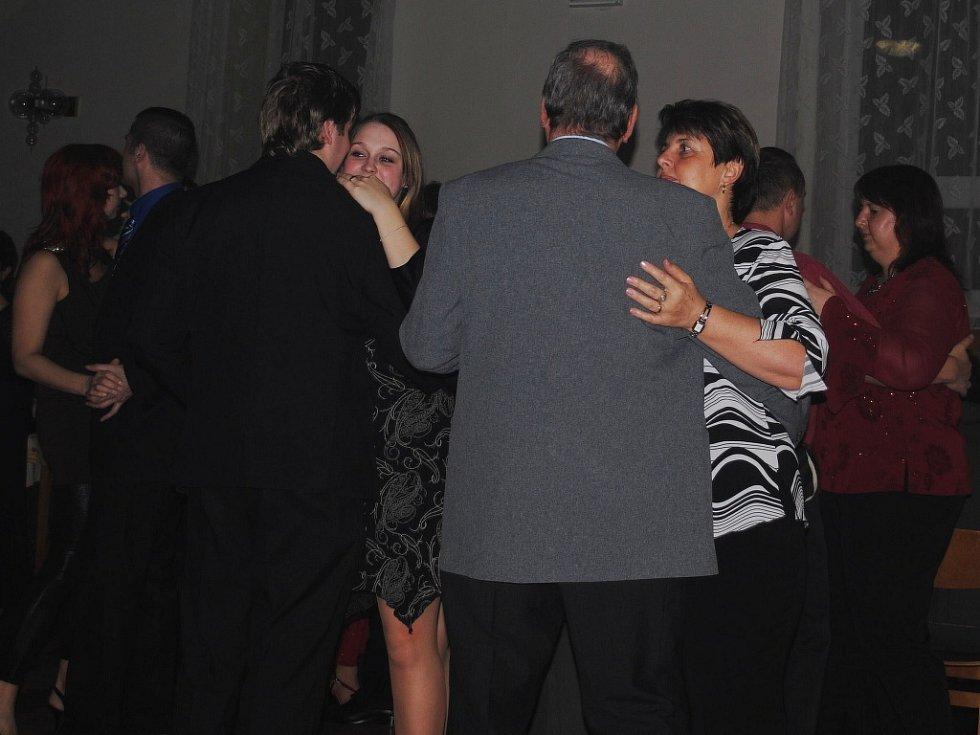 Myslivecký ples Senomaty 2014