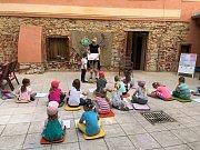 Do Agátky chodí na kurzy víc, než sto dětí.