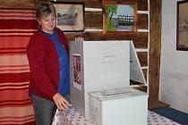 Příprava voleb v senomatské roubence