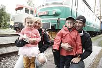 Železniční muzeum v Lužné o víkendu zpestřilo prohlídky jízdou parním vlakem taženým lokomotivou Heligón.
