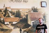 Michal Ortcykr před malbou ve Hvozdě