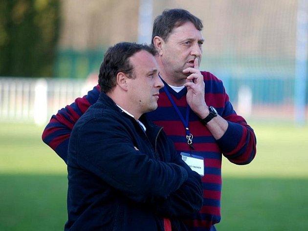 Lidé odvedle: novostrašecká fotbalová legenda Miloslav Mrázek (vpravo)
