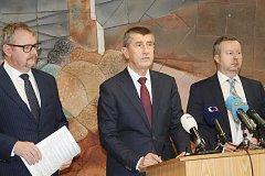 Fotka ze setkání tří ministrů v Rakovníku. Zleva: ministr dopravy Daniel Ťok, ministr financí Andrej Babiš a ministr životního prostředí Richard Brabec.