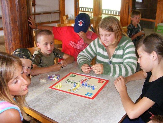 Foto z dětského tábora ve Skryjích