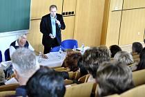 Ministr školství Marcel Chládek debatoval s řediteli škol na Rakovnicku