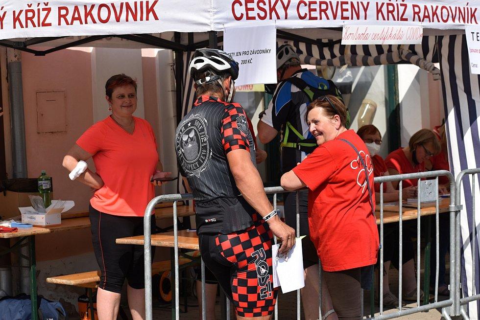 Ze dvanáctého ročníku Rakovnického cyklování, který odstartoval orientačním závodem.