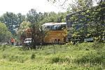 Nehoda na karlovarce u železničního přejezdu u Krupé