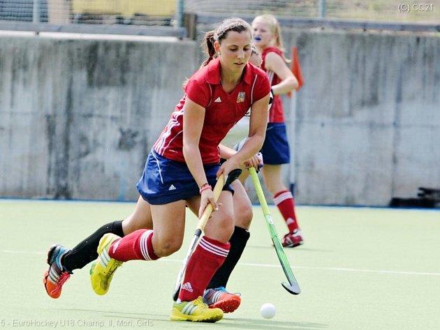Svoji derniéru v juniorském reprezentačním dresu a evropský bronz si Tereza Ohnemichlová se svými spoluhráčkami náležitě užila.