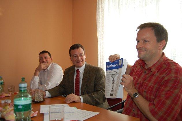Na tiskovou konferenci do kanceláře okresní organizace ČSSD přijel v úterý odpoledne i místopředseda poslaneckého klubu sociálních demokratů David Rath.