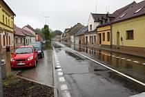Rekonstrukce silnice v ulici Čsl. armády je u konce.