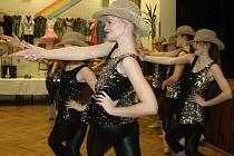 Country taneční skupina Lentilky slavnostně zahájila oslavy 25. výročí od založení souboru.