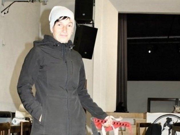Na snímku pořadatelka závodů Markéta Hájková.