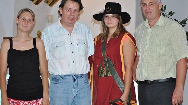 Bohouš Hyk - výherce Tip ligy (druhý zleva)