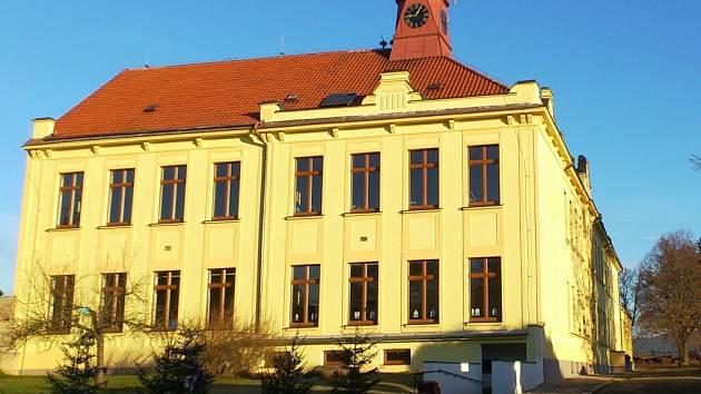 Opravená zakladní škola