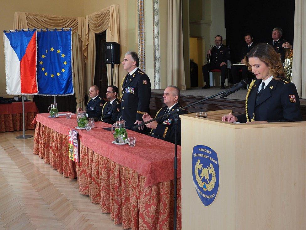 Na zbirožském zámku byly předány medaile Hasičského záchranného sboru ČR.