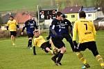 Lišany (v tmavém) porazily v dohrávce OP Městečko, ale až na penalty.