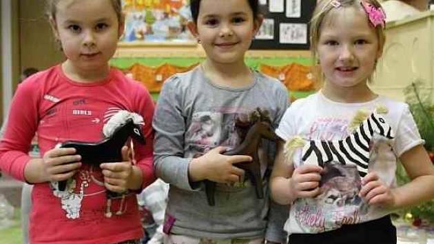 Vězni vyrobili dětem hračky
