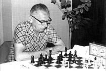 Šachista Jirásek nad svou zamilovanou hrou