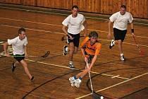 Florbalový turnaj 2011 - vítězové No Future (oranžové dresy)