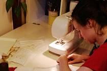Jana Ransdorfová s kamarádkou Kájou se rozhodly, že pomůžou s šitím roušek pro potřebné.