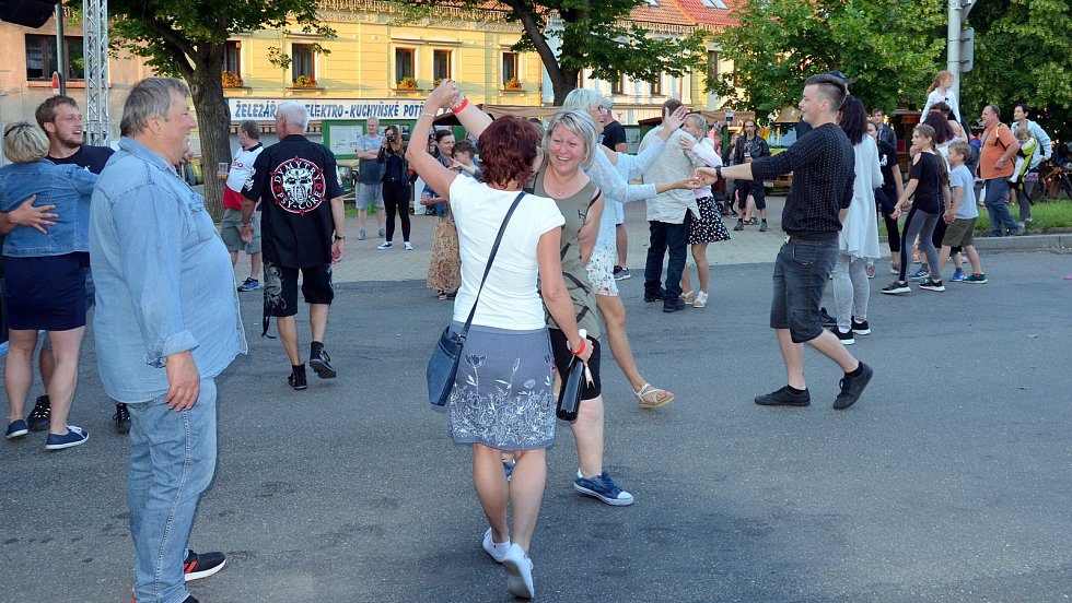 Zázraky vína na Komenského náměstí v Novém Strašecí.