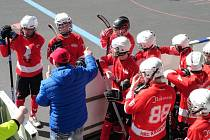 Z dorosteneckého utkání v hokejbalu Rakovník - Prachatice (2:0)