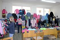 Na 3. základní škole Rakovník pořádali bazárek oblečení již čtvrtým rokem.
