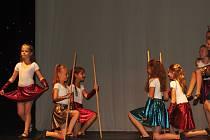V sále Tylova divadla v Rakovníku se uskutečnilo závěrečné vystoupení tanečního oboru ZUŠ Rakovník - Malý princ.