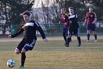 Fotbalisté Zavidova nestačili v jarní premiéře na Tochovice, kterým podlehli 1:2.