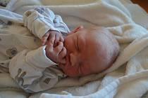 MATOUŠ THEIMER, PRAHA. Narodil se 6. srpna 2019. Po porodu vážil 3,6 kg. Rodiče jsou Anna a Ivo. Bratr Jonáš.