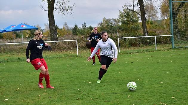 Z fotbalového utkání žen  Pavlíkov - Švermov (3:0)