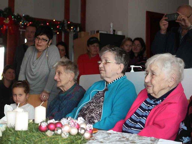 Vánoční besídka v DS Lužná