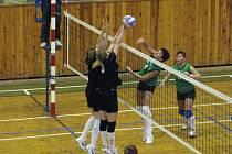 Závěrečný míč prvního duelu VKR A - Baník Příbram