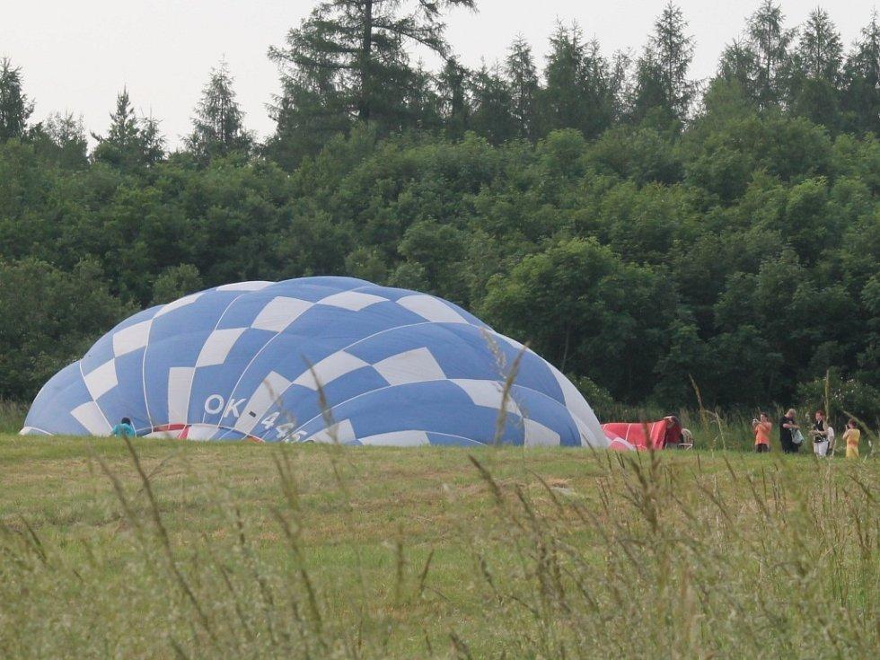 Balón nad Křivoklátskem