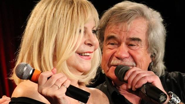 Hana Zagorová a Petr Rezek zpívali v rakovnickém kulturním centru