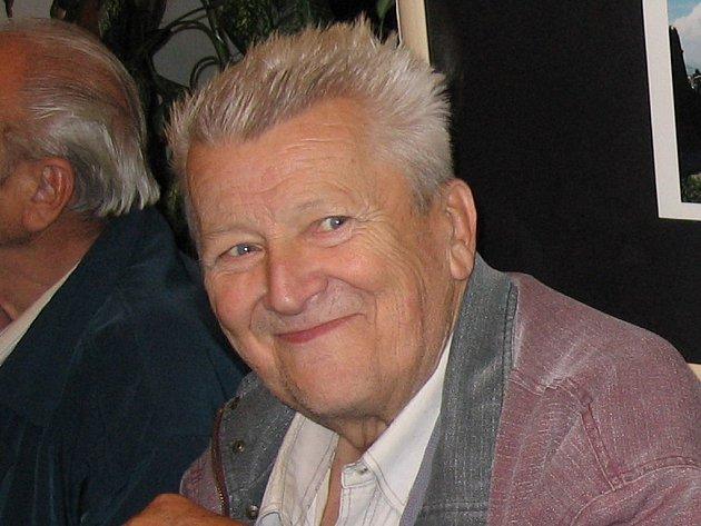 Karel Polcar na vernisáži fotoklubu Amfora