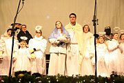 Barušky a Berušky při svém vánočním vystoupení na Staroměstském náměstí zaujaly kromě českého publika i davy lidí ze všech koutů světa.