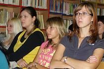 Přednáška o kronikách měla úspěch u studentů středních škol.