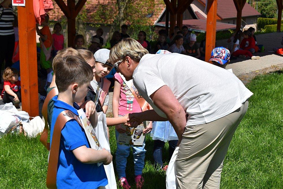 Děti z krušovické školy si užily dětský den.