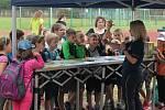 Hasiči spolupracují také se školami, kde učí děti i požární prevenci.