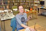 Drátování v novostrašecké knihovně.