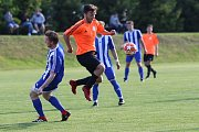 Z fotbalového utkání krajské I.B třídy Zavidov - Slaný B (3:0)