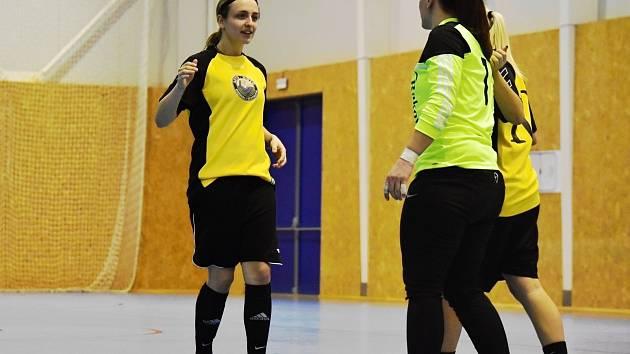 Futsalistky rakovnické Olympie ovládly kladenský turnaj v halovém fotbale.