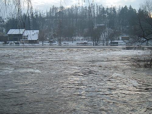 Berounka na Zvíkovci 2.povodňový stupeň leden 2011