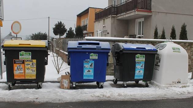 Popelnice na tříděný odpad v Novém strašecí