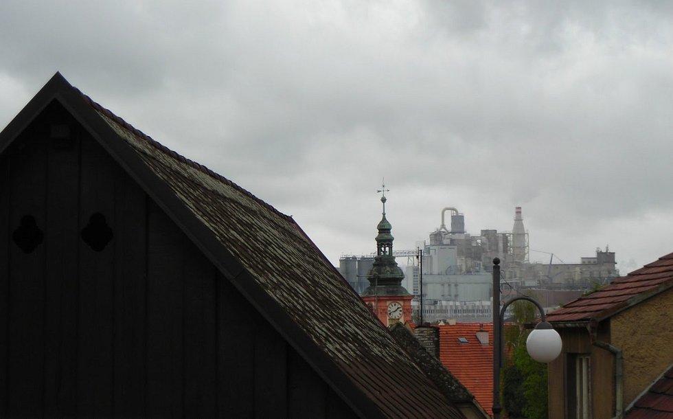 Panorama s Rakonou v Rakovníku.