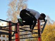 Street Workout Rakovník - takhle cvičí kluci několikrát týdně...